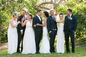 candid-bridal-party-photos